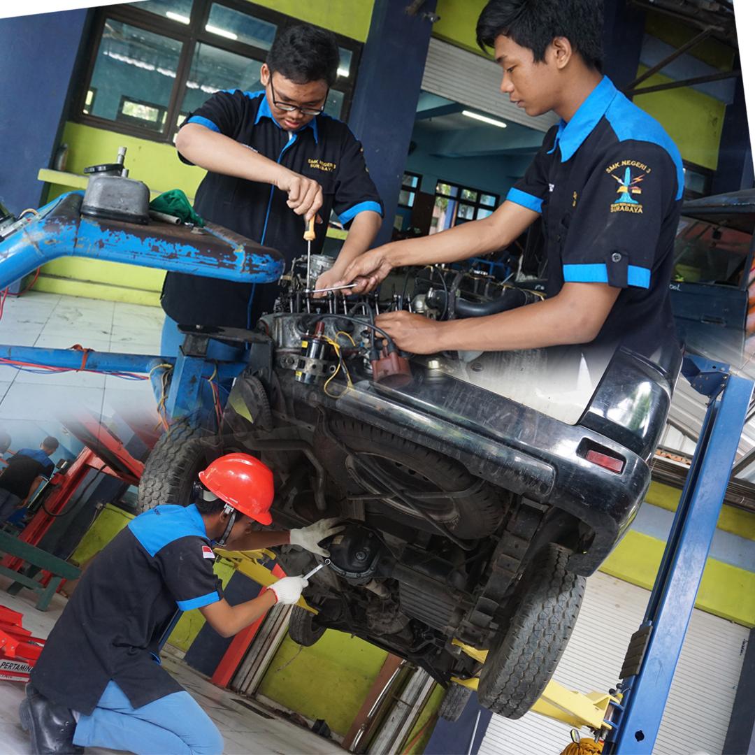 Teknik Kendaraan Ringan Otomotif (TKRO)